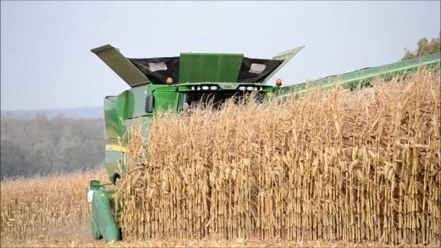 NEW John Deere S690i – Corn Harvest
