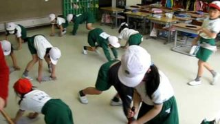 Japanese School Cleaning Time!