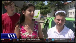 Të rinjtë në Gjakovë ndërtojnë makinën e parë elektrike